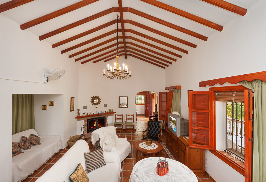 Originally listed at 625,000 € now reduced to 449,000 € Extraordinary 4 bedroom finca located in the, Spain