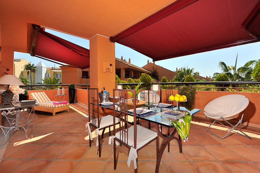 Magnificent apartment with three large bedrooms all with terraces. The block where the apartment is ,Spain