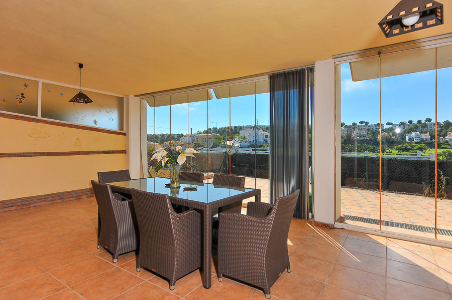 Very nice ground floor apartment in Green Hill with beautiful views on the golf and through the coas, Spain