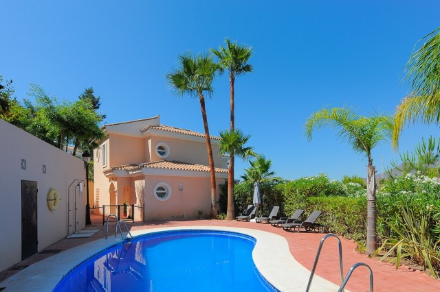 Terraced house in the urbanisation of Alhaurin Golf. The property is distributed over two floors, wi,Spain