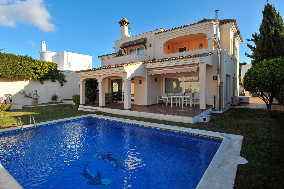 Location,  location, location ! Do you want a detached villa, walking distance to the beach , 5 min ,Spain