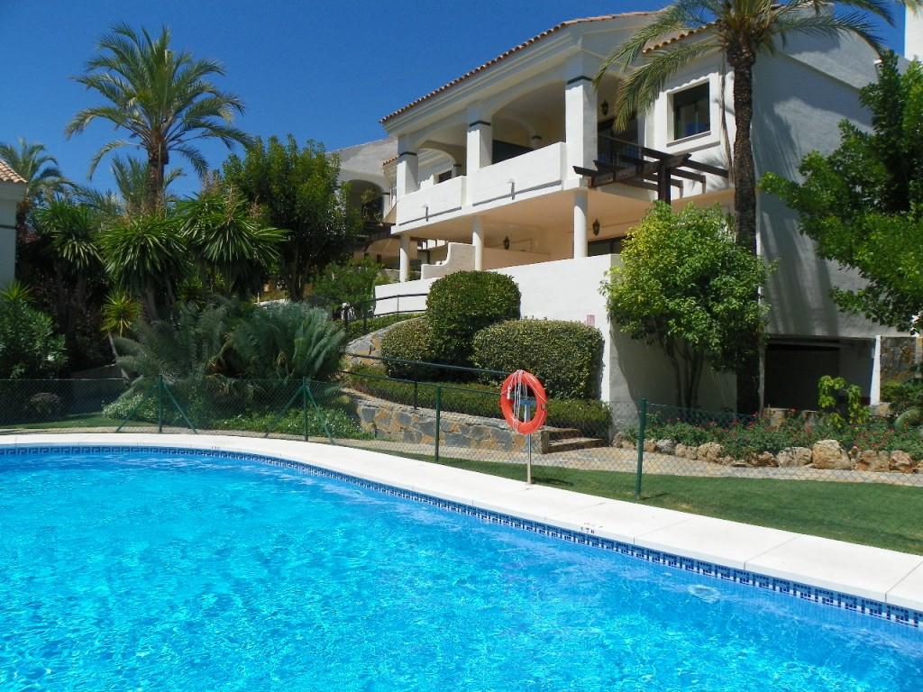 Marbella Banus Adosada en Venta en Atalaya – R859611