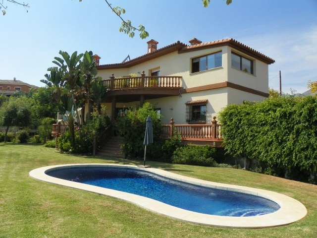 Villa 4 Dormitorios en Venta Benalmadena Costa
