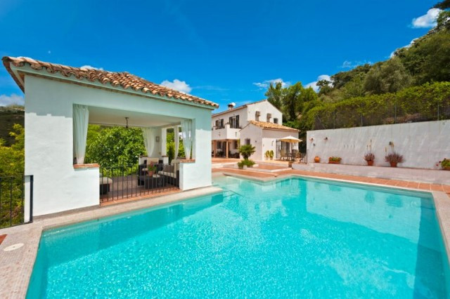Originally listed for 995,000€ and recently reduced to 499,000€. The perfect country retreat. Live t,Spain