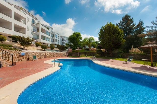 Fantastic ground floor apartment in the sought-after urbanisation of Alhaurin Golf. The property has,Spain