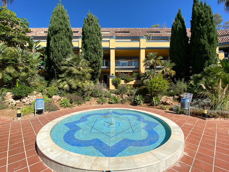 Originally listed at 380.000 € now reduced to 305,000 €  First floor 2-bedroon apartment in one of t,Spain