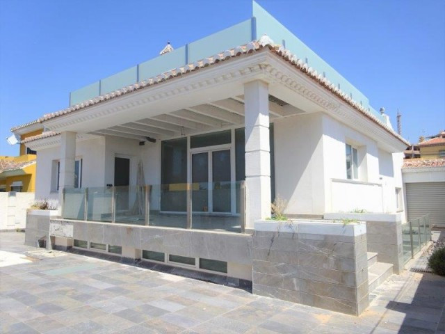 Wonderful villa 95 % built facing the sea front,  located in the area of La Cala del Moral. 15 minut, Spain