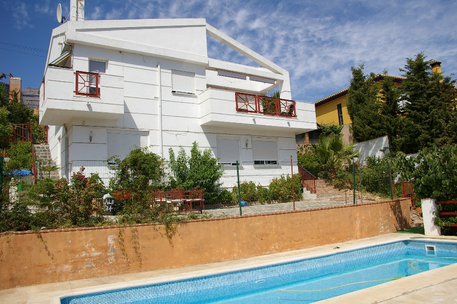 This is a great opportunity to purchase a fantastic property located on the well established area of,Spain