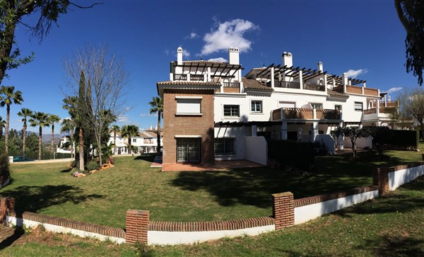 Townhouse in Lauro Golf R3081682