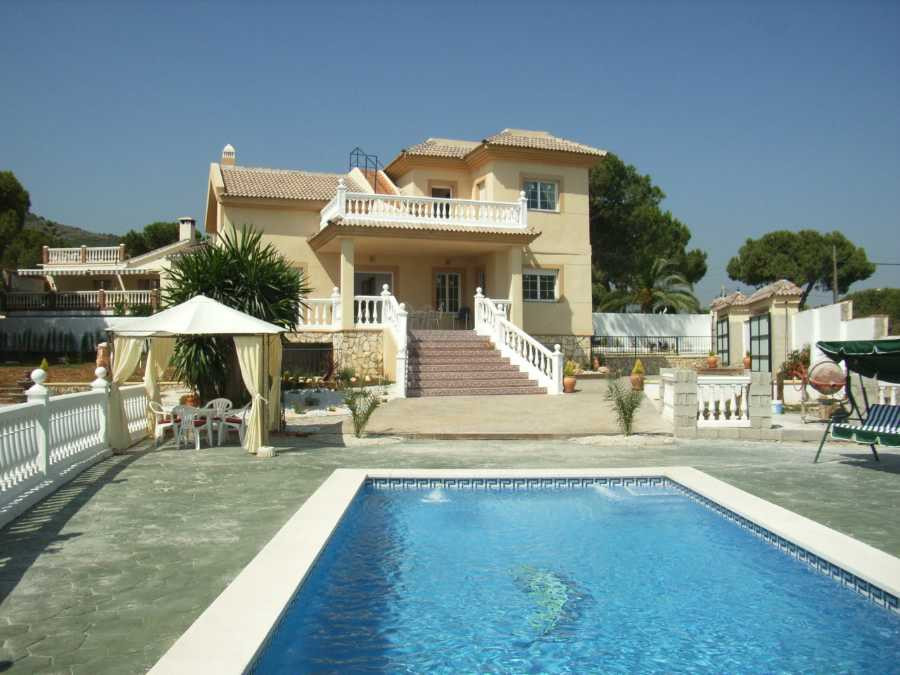 Originally listed for 595.000€ and recently reduced to 445.000€ to achieve a quick sale.  This is a ,Spain