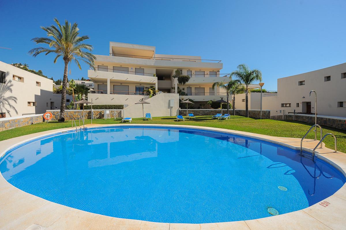 BARGAIN  in Lomas de Los Monteros, Marbella Hills.    Luxury 3 bedroom 3 full bathroom apartment on ,Spain