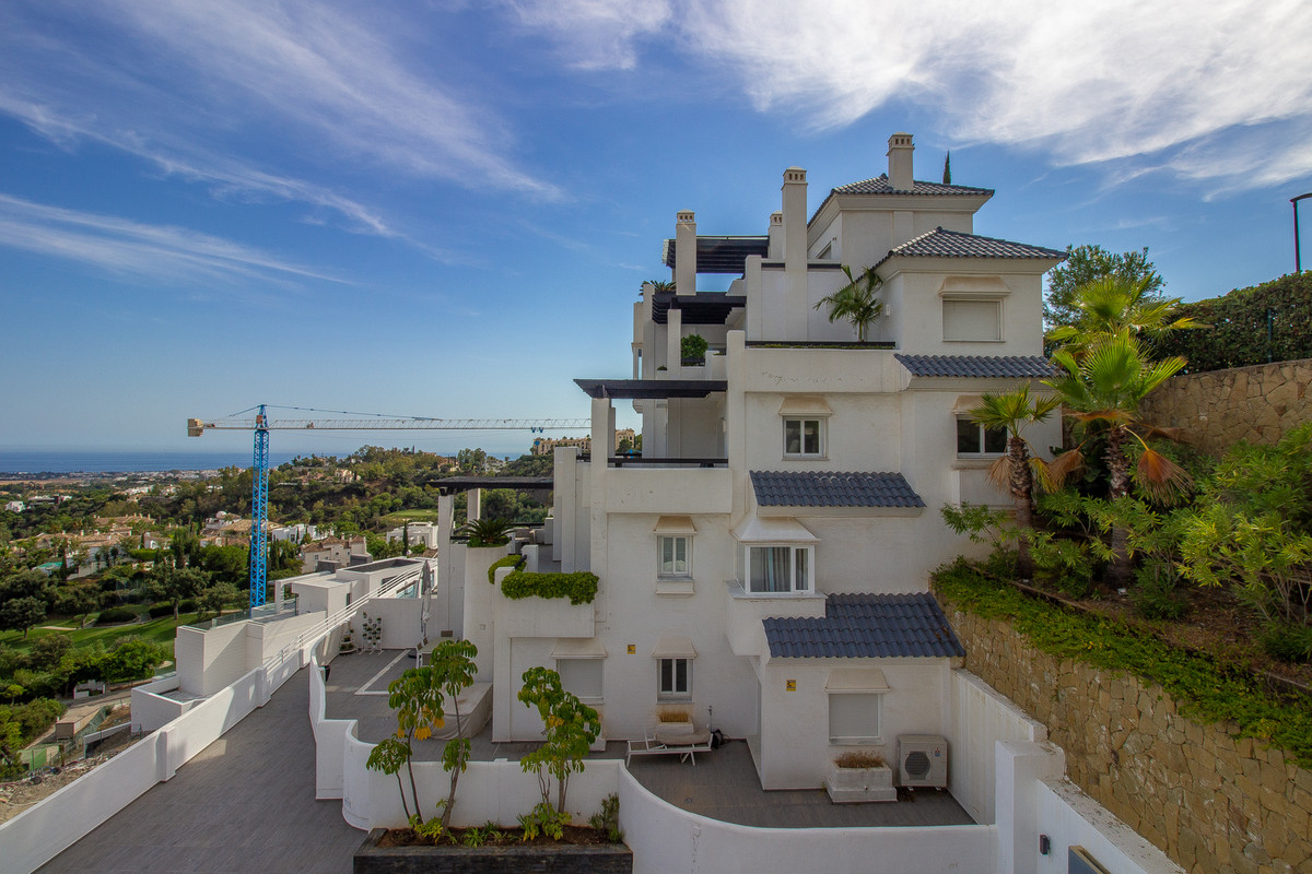 Located just of the Ronda Road, the apartments in Valley Heights offer exceptional panoramic sea vie,Spain