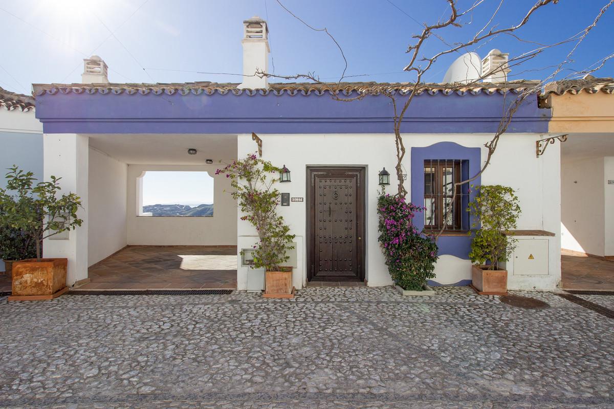 Marbella Banus Adosado en Venta en La Heredia – R2499500