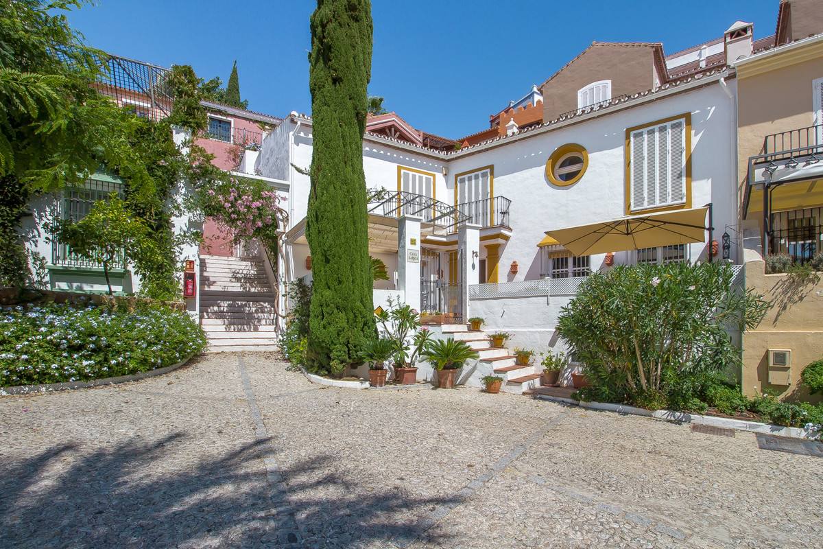 A charming 2 storey semi detached townhouse nestled amongst the quaint houses of La Heredia. La Here, Spain