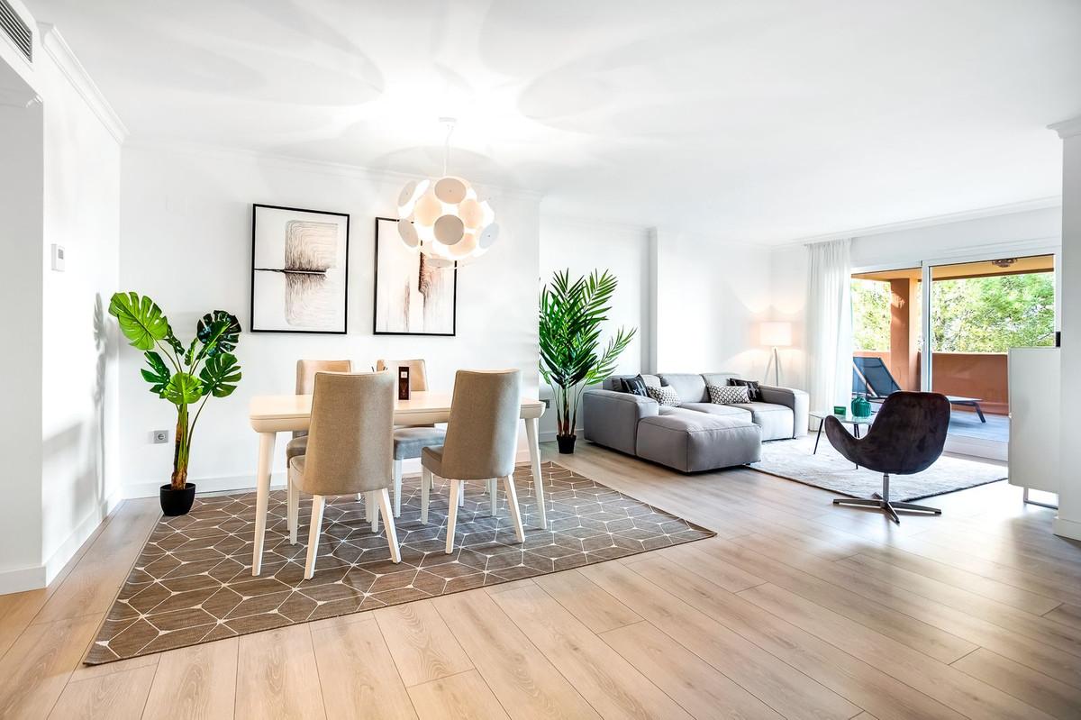 Marbella Banus Apartamento Planta Baja en Venta en Elviria – R3671108