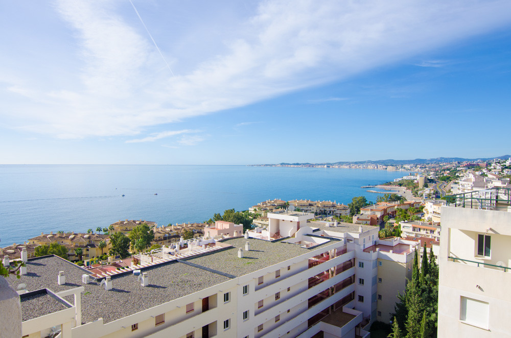 BEAUTIFUL 4 BEDROOMES PENTHOUSE 200M FROM THE BEACH.,Spain