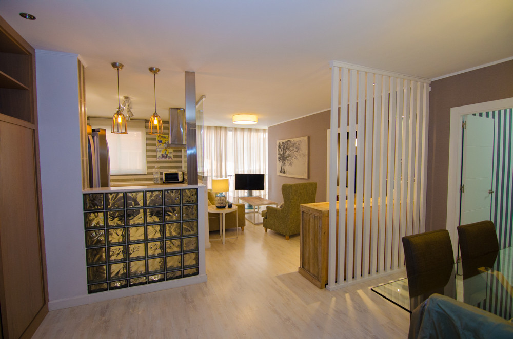 BEAUTIFUL 2 BEDROOM APARTMENT IN THE FAMOUS SOHO QUARTER OF MALAGA., Spain