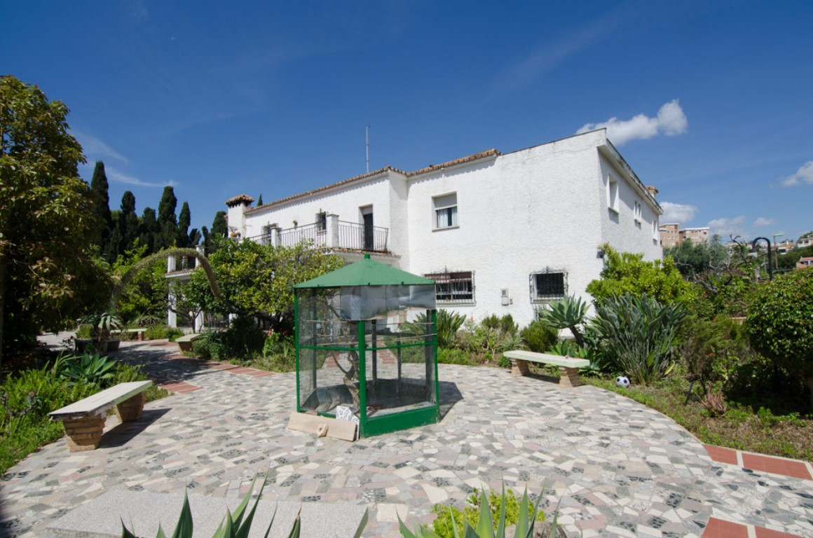 Very well situated property,perfect for refurbishing and doing bed and breakfast,or a little hotel,6, Spain