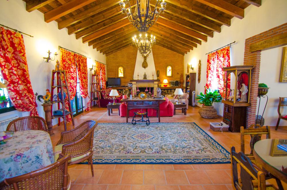 Beautiful farm for leisure and cultivation in Villanueva del Rosario. Luxury cortijo house of 370 m2,Spain