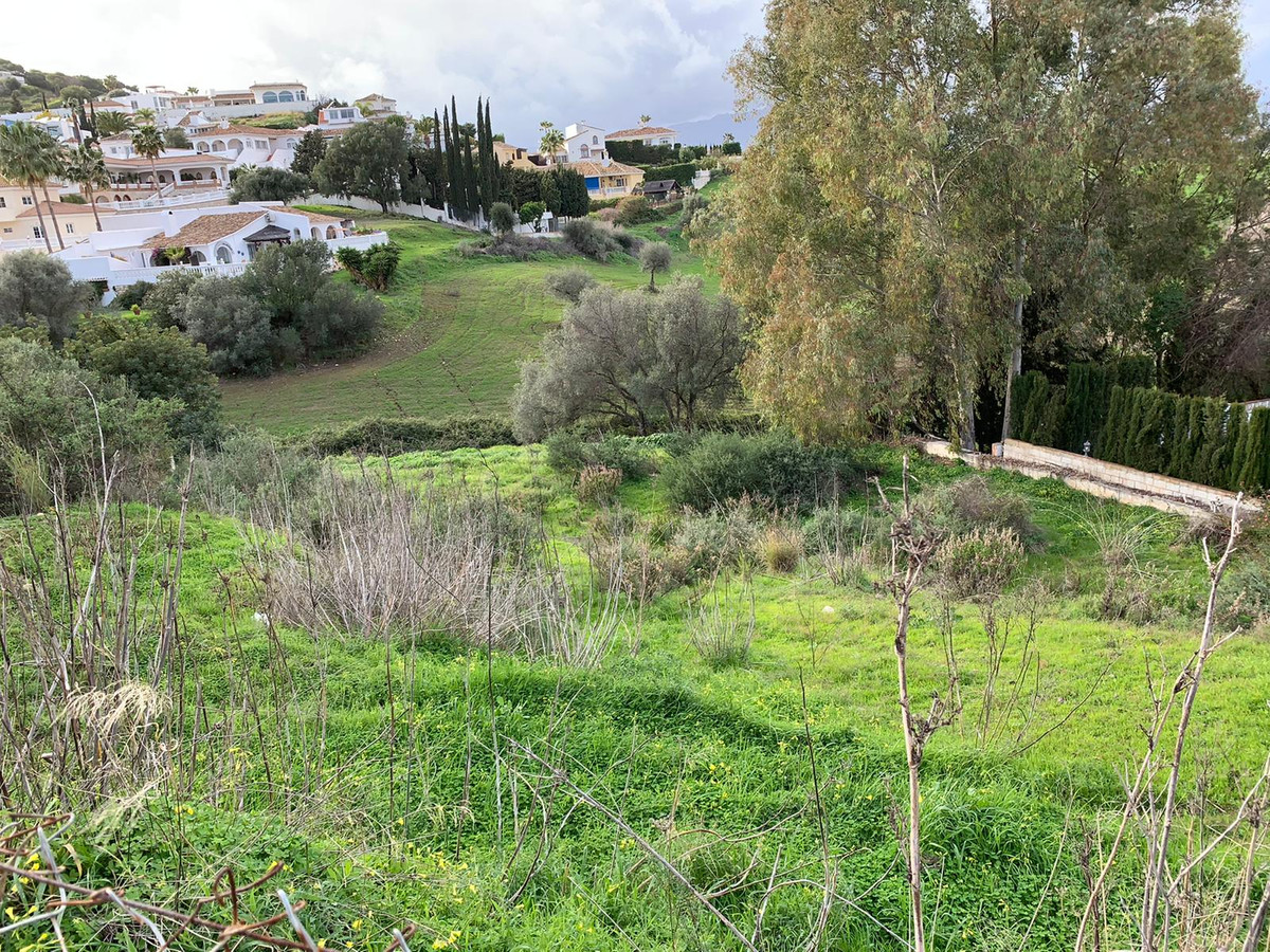 Only 104 € per m2.  Lovely plot with open views to the country side and the mountains.  Priced for a,Spain
