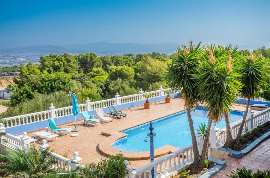 Exclusive detached villa in the most accessible area of Alhaurin de la Torre.  In a safe and quiet a,Spain