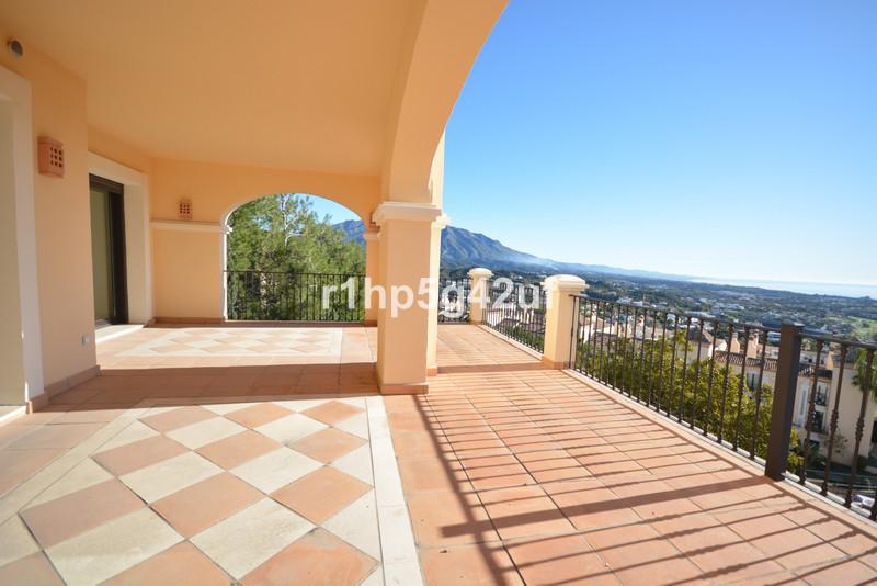 Marbella Banus Apartamento Planta Media en venta en Marbella – R3590962