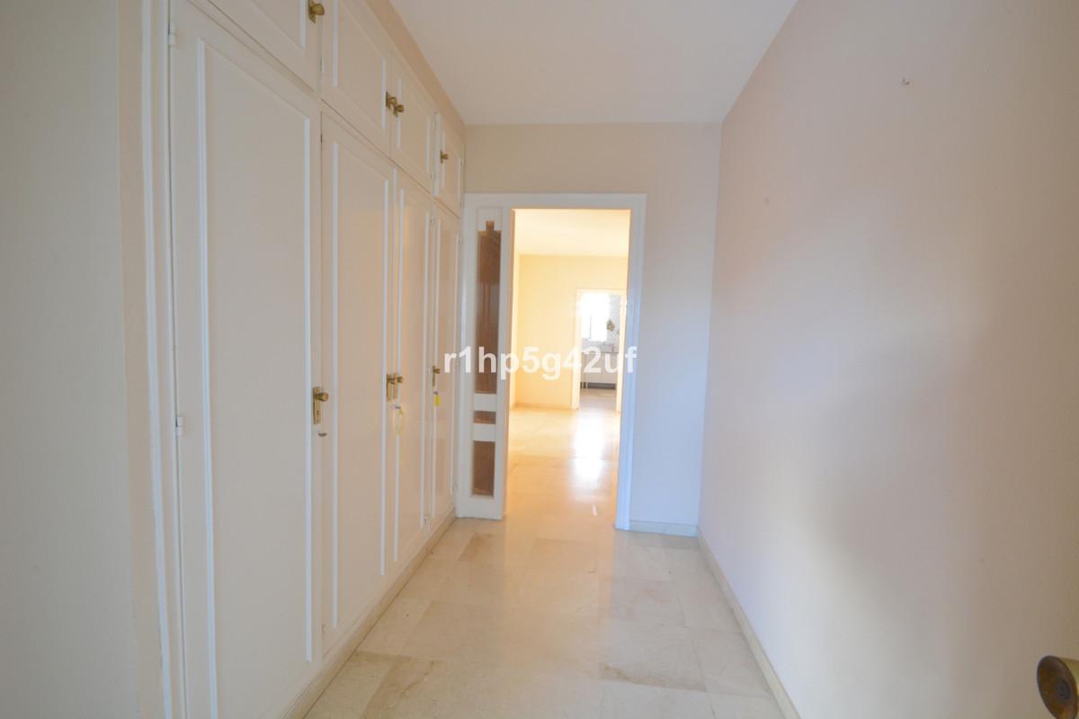 Apartamento Planta Media en Venta en Guadalmina Alta – R3318193