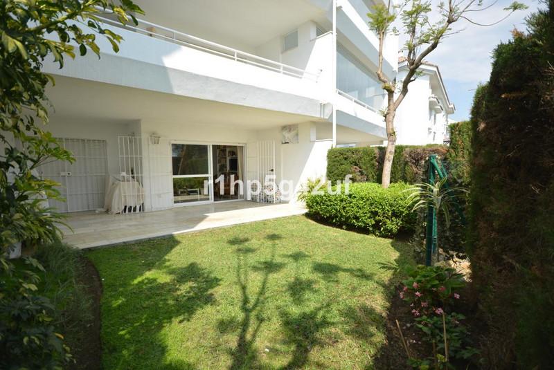 Marbella Banus Apartamento Planta Baja en venta en Guadalmina Baja – R3065485