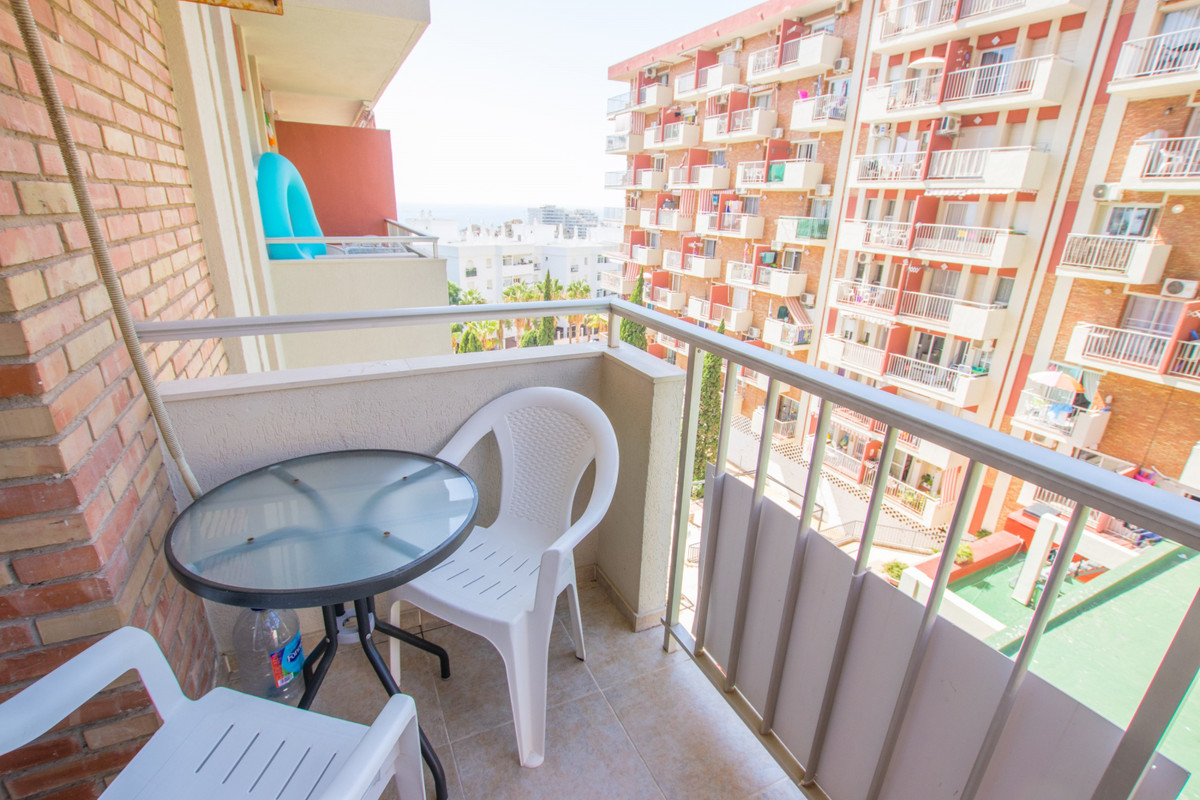 Middle Floor Studio, Arroyo de la Miel, Costa del Sol. Built 31 m², Terrace 4 m².  Setting : Town, C, Spain