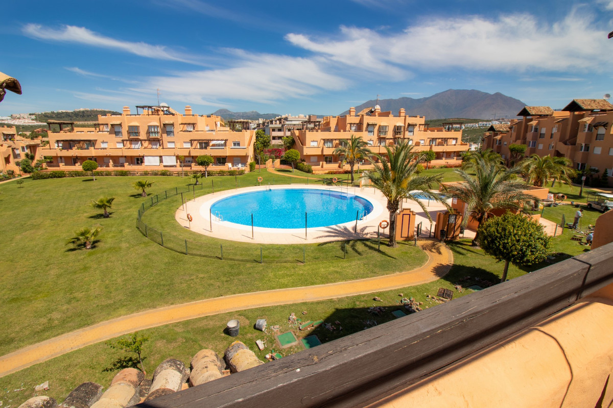 Casares del Sol, 2 bedroom penthouse with panoramic views If you want to enjoy open views to the sea, Spain