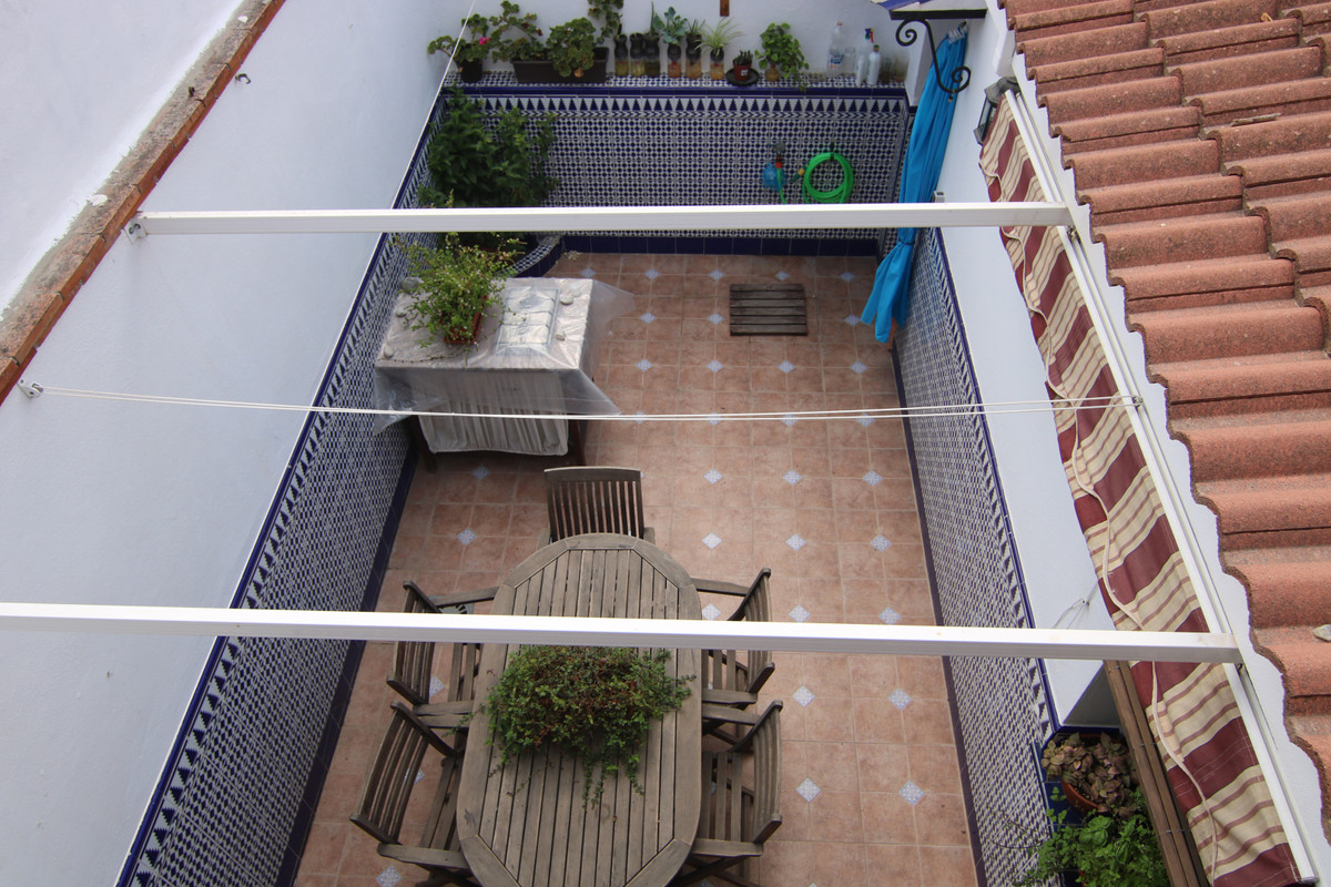 Fabulous townhouse is located very close to the fairground, near the bus station and a few steps fro,Spain