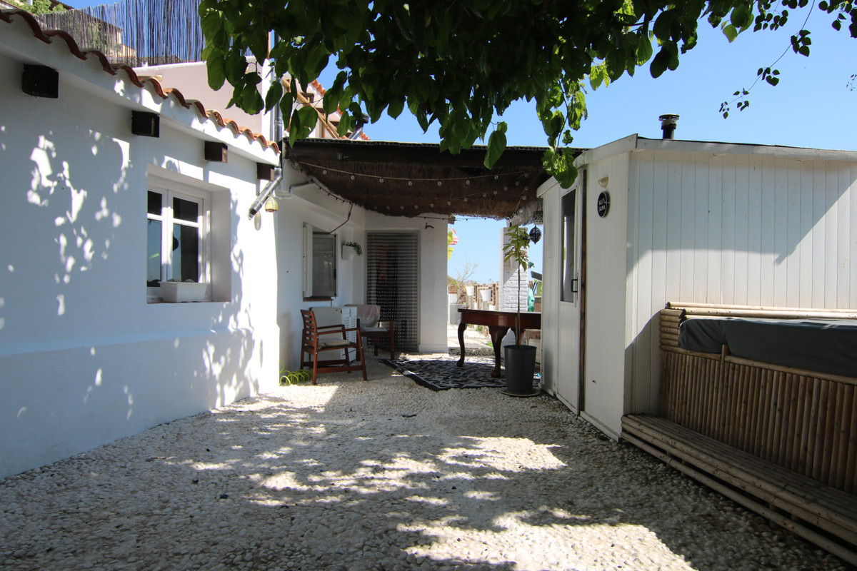 Charming cortijo This lovely southeast facing finca with stunning views. As soon as you enter the pr,Spain