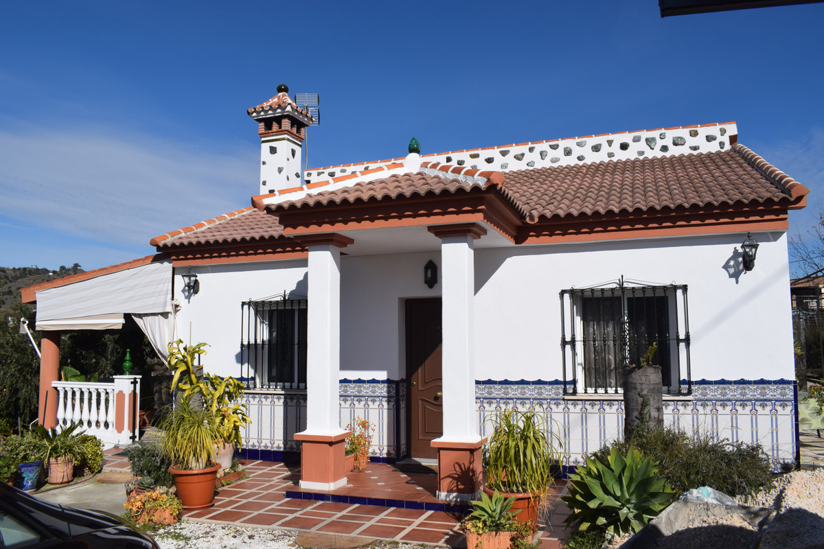 Nice Finca on the outskirts of Coin, just 5 minutes from the town, shops, bars and supermarkets, Thi,Spain