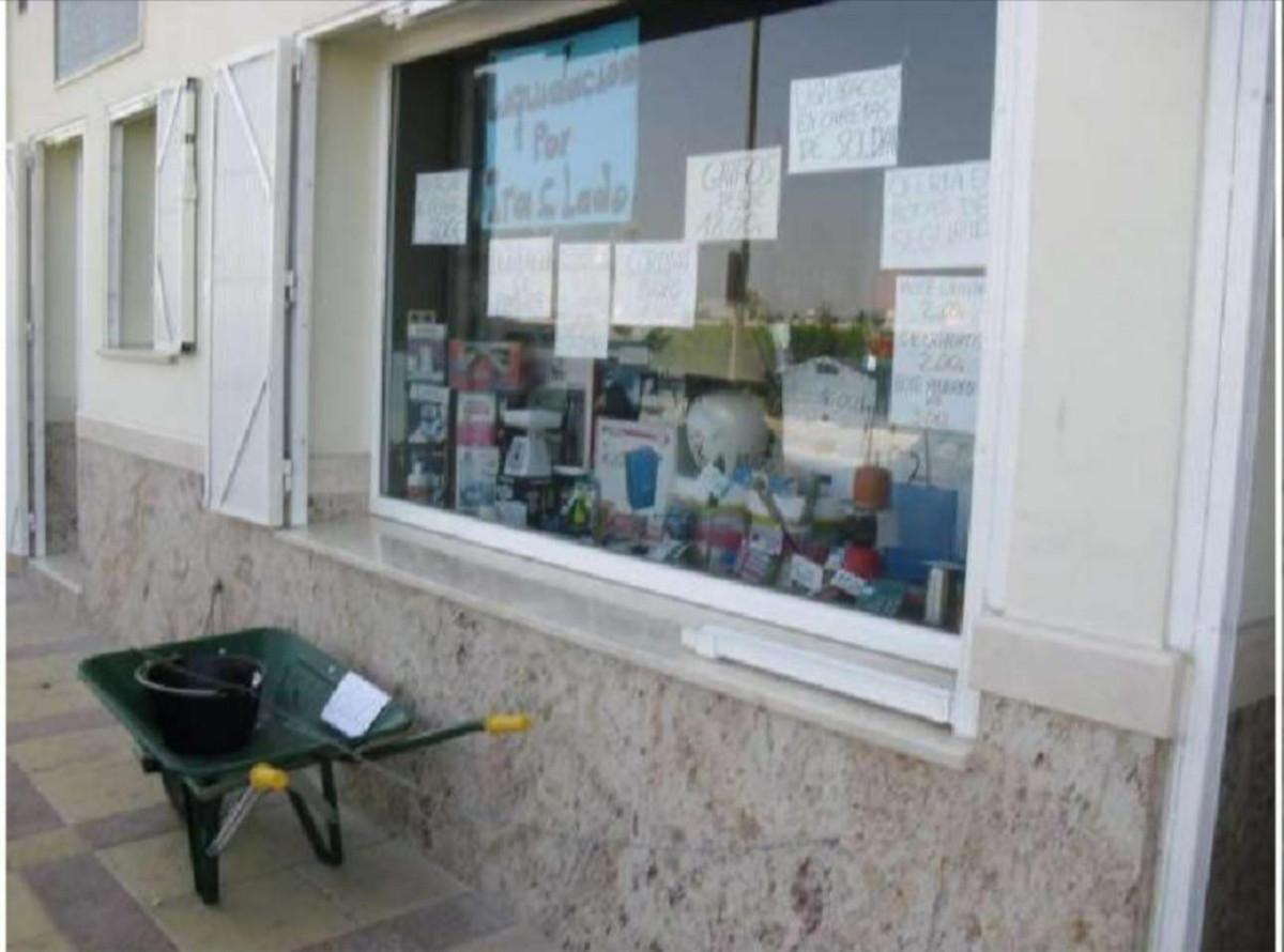 Tienda en venta   en Coín