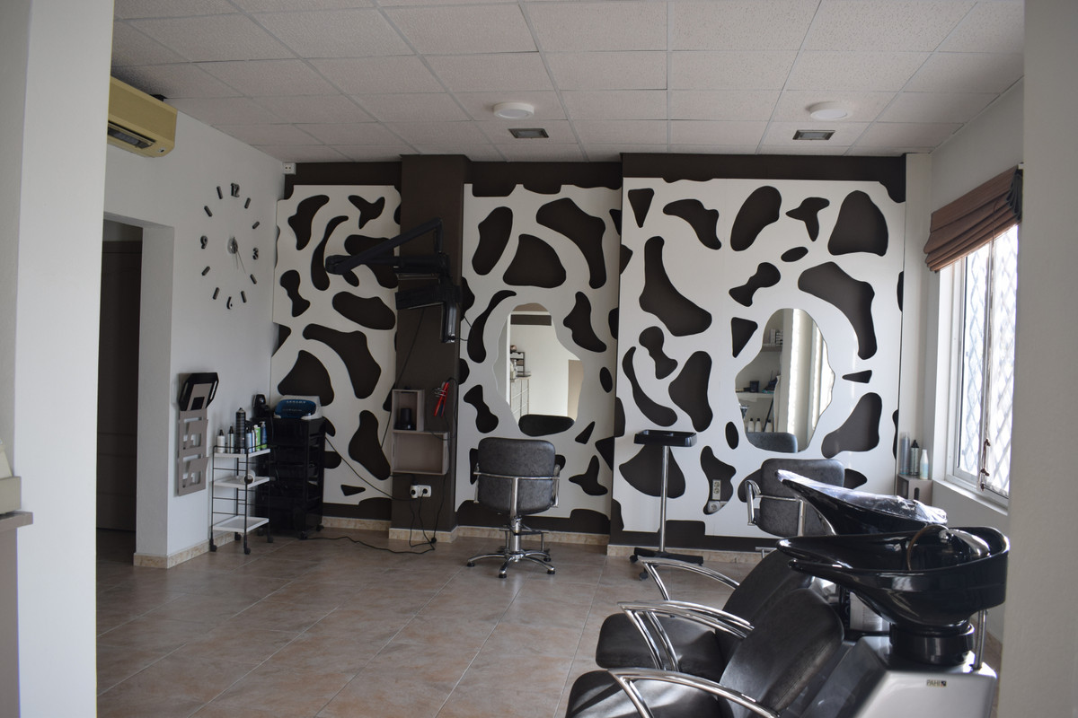 This shop on the outskirts of Coin, consists of a spacious room Completely renovated and currently o, Spain