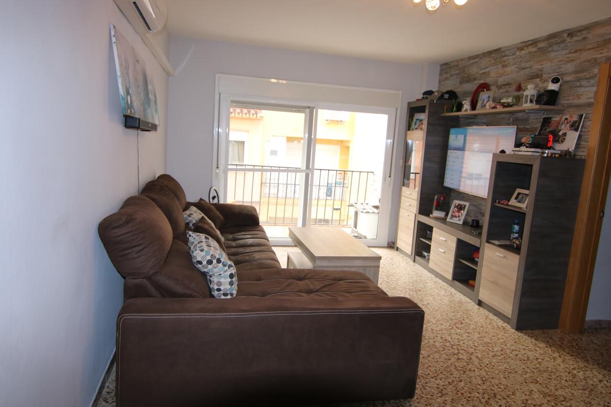 Apartamento  Planta Media en venta   en Coín