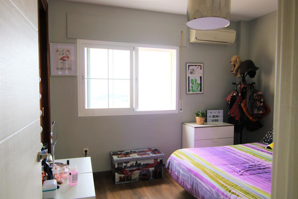 Apartamento con 3 Dormitorios en Venta Coín