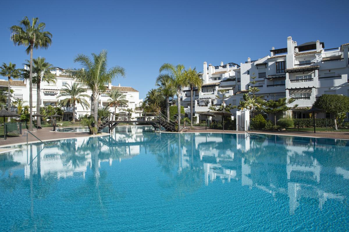 Marbella Banus Apartamento en Venta en San Pedro de Alcántara – R3739549