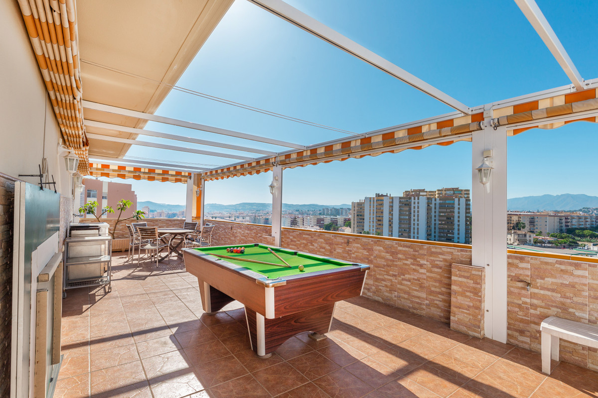 3Bedroom / 3 bathroom Duplex Penthouse, in perfect condition) located in the center of Fuengirola, c, Spain