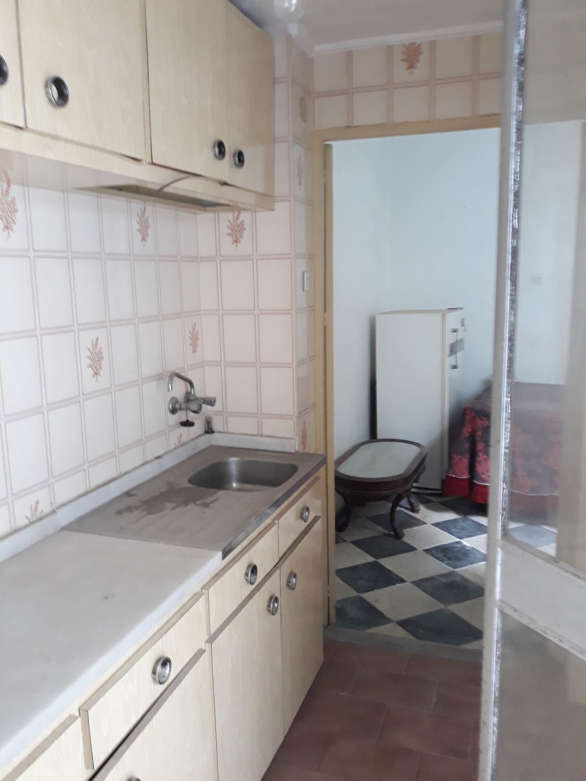 HOUSE TO RENOVATE IN THE CENTER OF THE TOWN WITH 60.90 M2 USEFUL APPROXIMATE BY PLANT, CONSISTS OF E,Spain