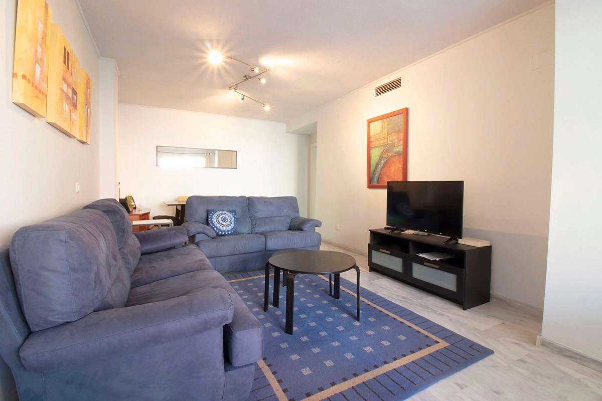 Apartamento en Venta en Nueva Andalucía – R3513340