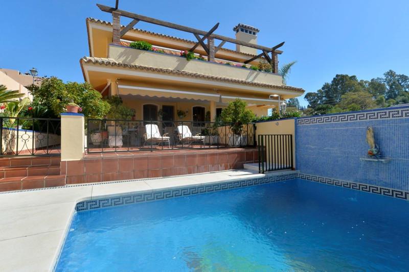Marbella Banus Villa – Chalet, Marbella – R3543286
