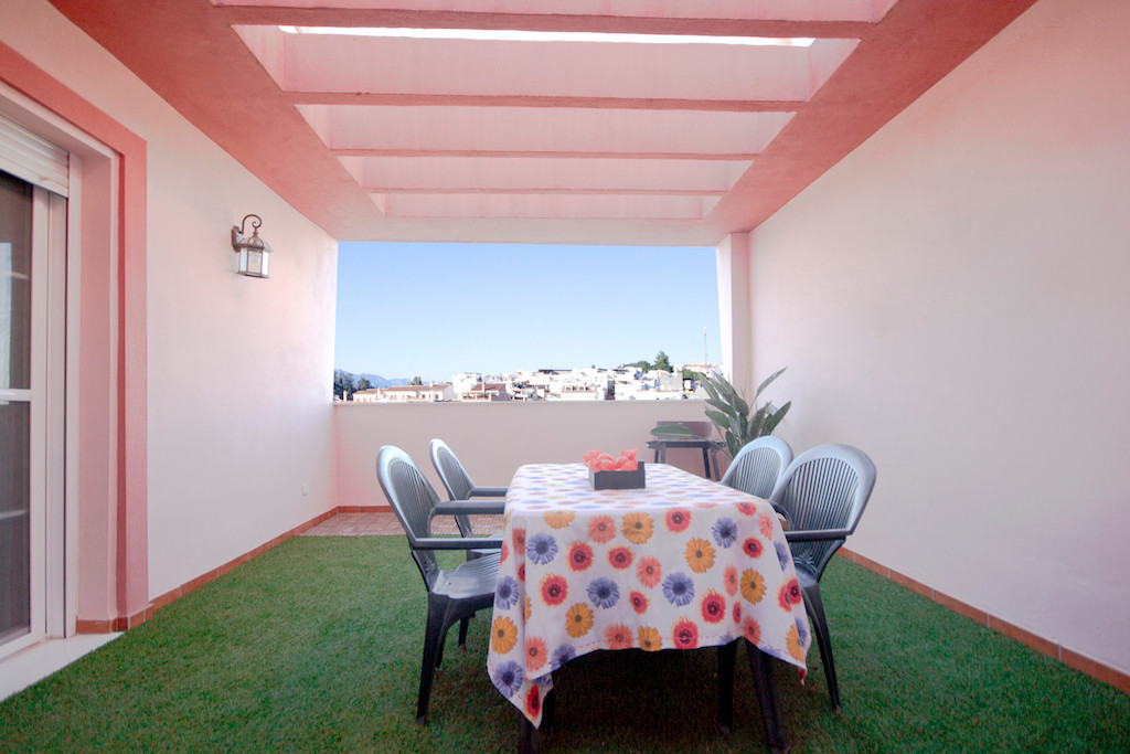 RECENTLY BUILT AND MODER APARTMENT WITH LARGE TERRACE.  This apartment in Coin close to all kinds of,Spain