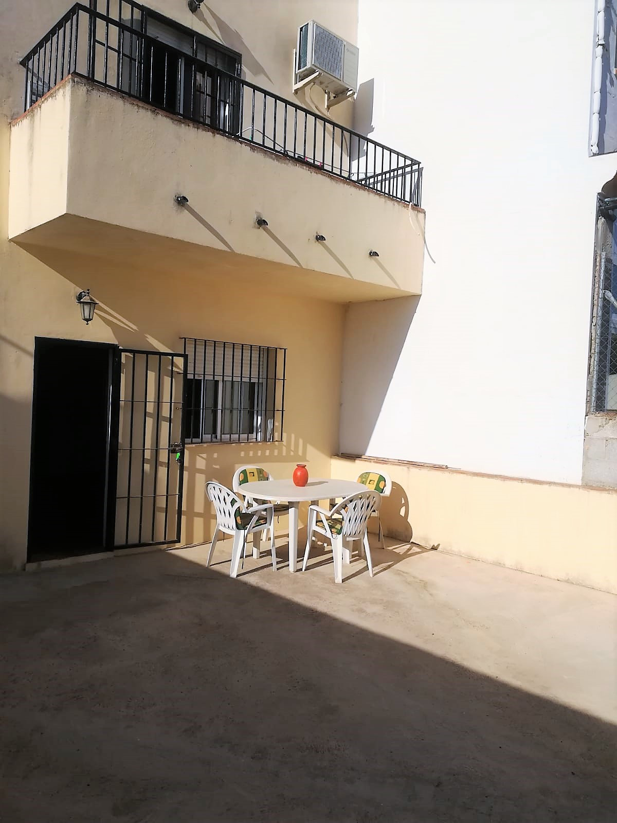House of about 157 m2 useful approximately, with 3 bedrooms, 2 bathrooms, living room, fully equippe, Spain
