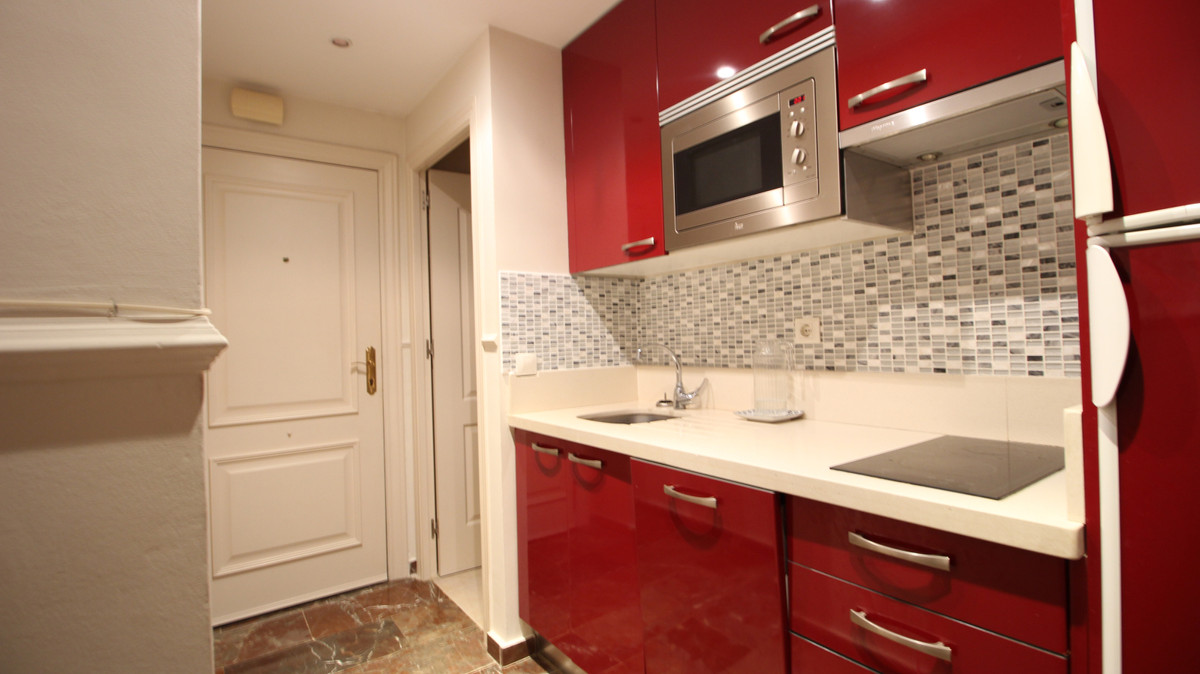 Nice studio very well located in one of the best areas of Marbella, very close to the beach and the ,Spain