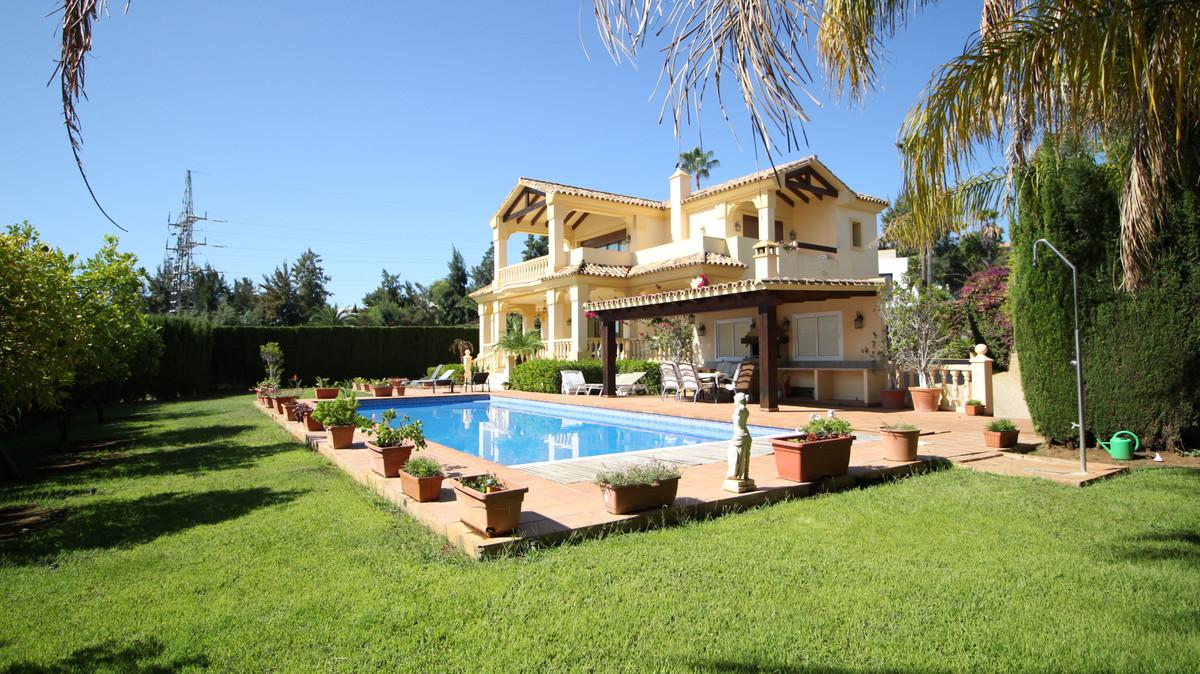 Villa Til salg i La Quinta R3722654