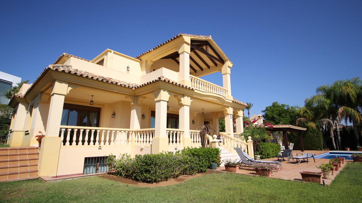 Villa – Chalet en Venta en La Quinta – R3722654