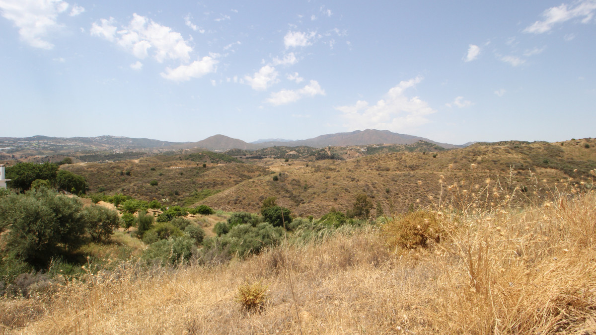 OPPORTUNITY !!  Mijas Costa, Valtocado Z. Rustic land of dry land, smooth slope with two flat areas ,Spain