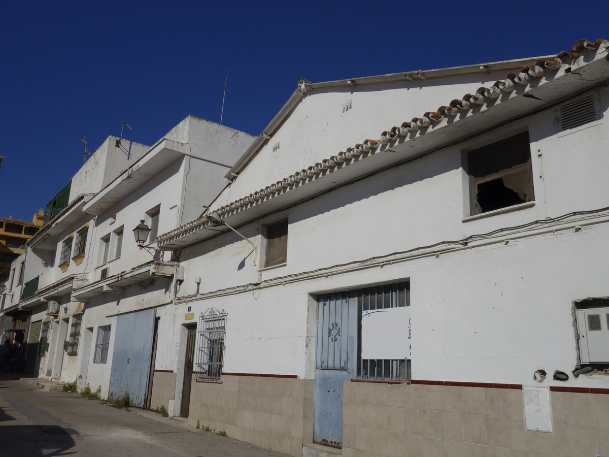 Warehouse to reform in an expanding area in San Pedro de Alcantara located a few steps from the boul,Spain