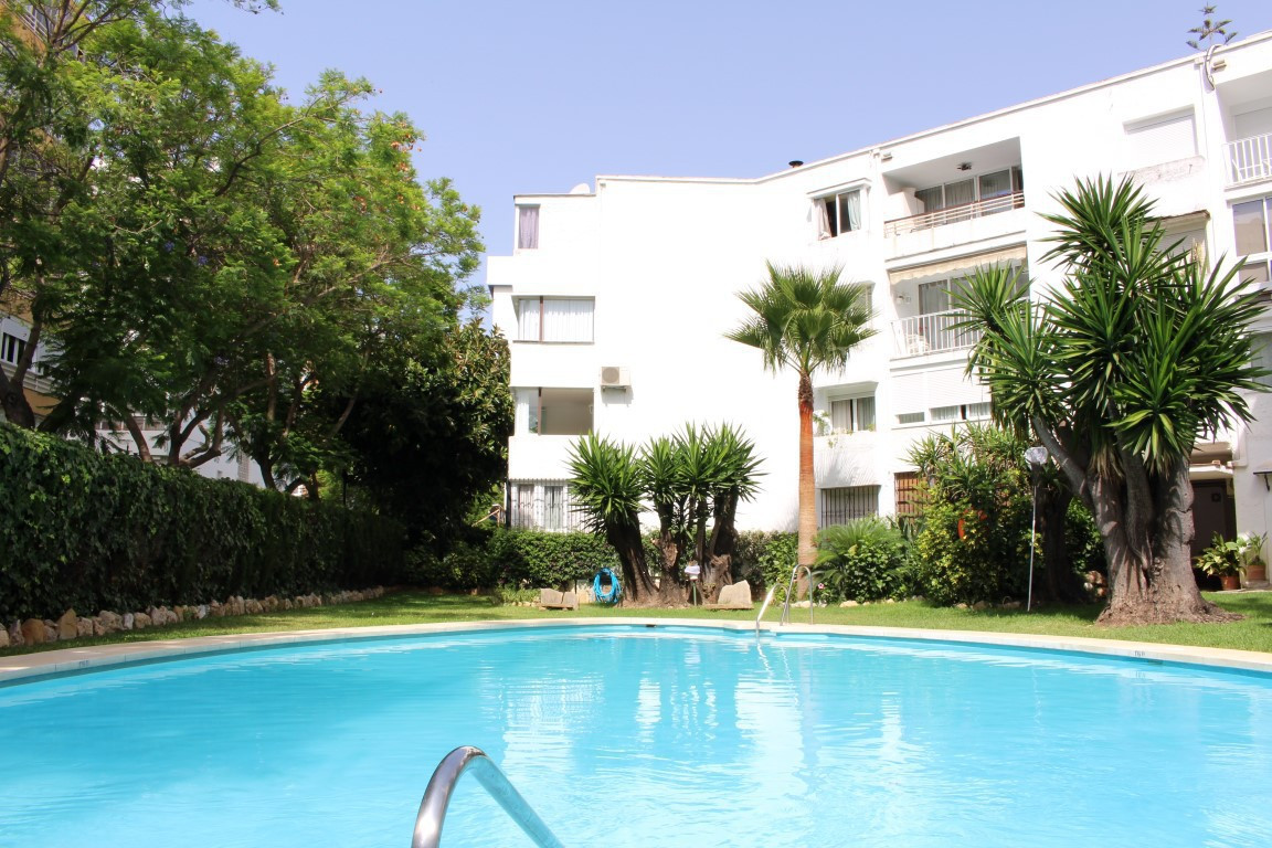 Ground Floor Apartment in Marbella R2950955